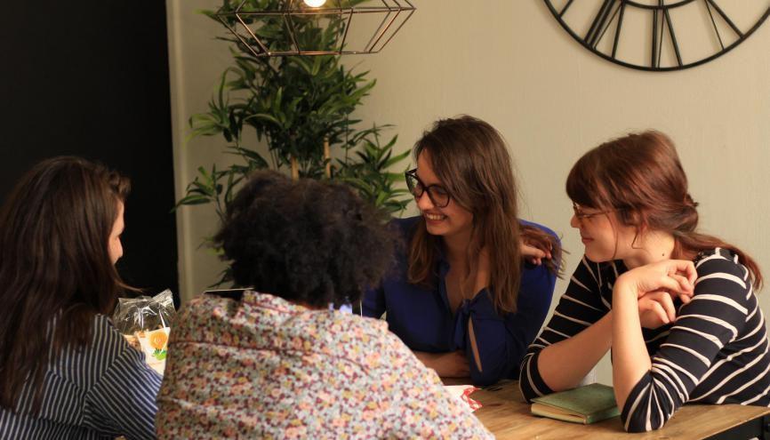 Atelier Cojob. Les groupes de recherche d'emploi renforcent la confiance en soi et permettent le partage d'expériences et de solutions pour trouver plus vite du travail. //©Gaelle Rubeillon