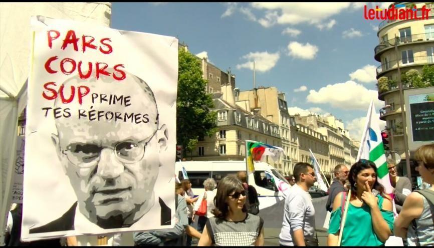 Ce lundi 17 juin, des professeurs se sont rassemblés pour protester contre la réforme du baccalauréat. //©Florent Jacono