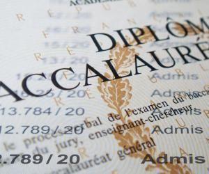 En plus des candidats au bac, 52.630 candidats à des certifications professionnelles, dont 44.846 au CAP, se présenteront dans des centres d'examen pour les sessions de remplacement.