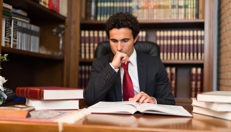 Que Faire Apres Une Licence De Droit L Etudiant