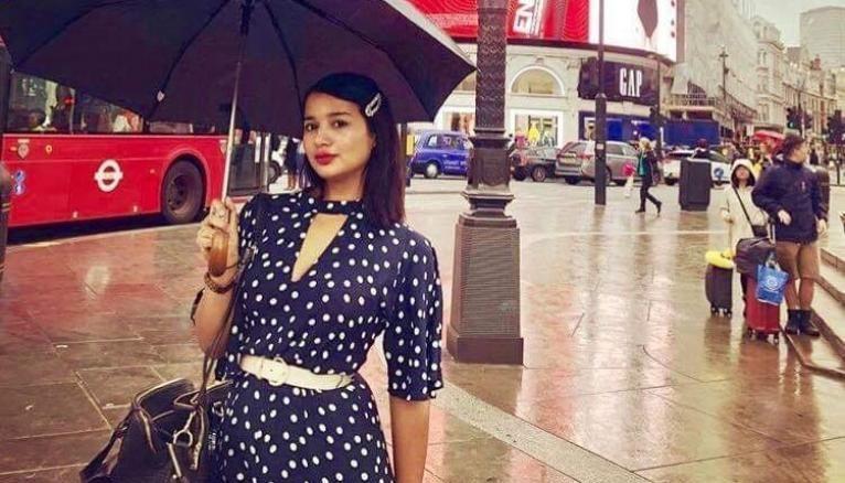 Naïma doit passer un semestre à Londres pour ses études d'histoire.