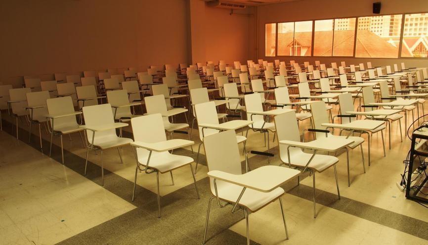 Les concours en présentiel sont annulés, les modalités de remplacement sont dévoilées au cas par cas. //©yosanon/Adobe Stock