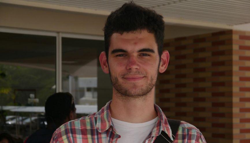 Alex, étudiant en licence de lettres à l'université de la Nouvelle-Calédonie. //©Camille Stromboni