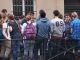 Les élèves de troisième avant l'épreuve de français, jeudi 24 juin 2016, devant le collège Rocroy-Saint-Léon, à Paris. //©Julie Chapman