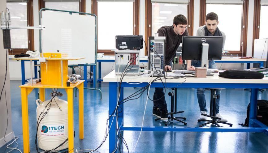 Le master ingénierie nucléaire de l'université Grenoble-Alpes place 94% de ses diplômés en CDI. //©Pablo Chignard/Hanslucas pour l'Etudiant