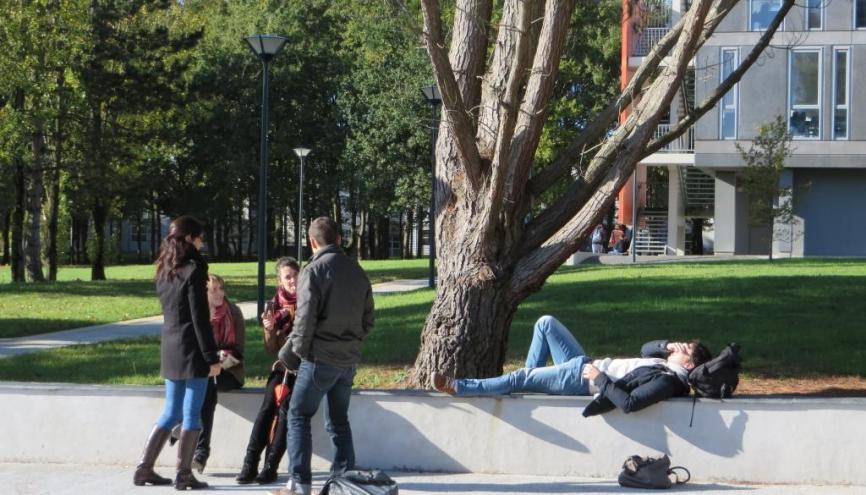 Etudiants en pause à l'université d'Angers //©Virginie Bertereau