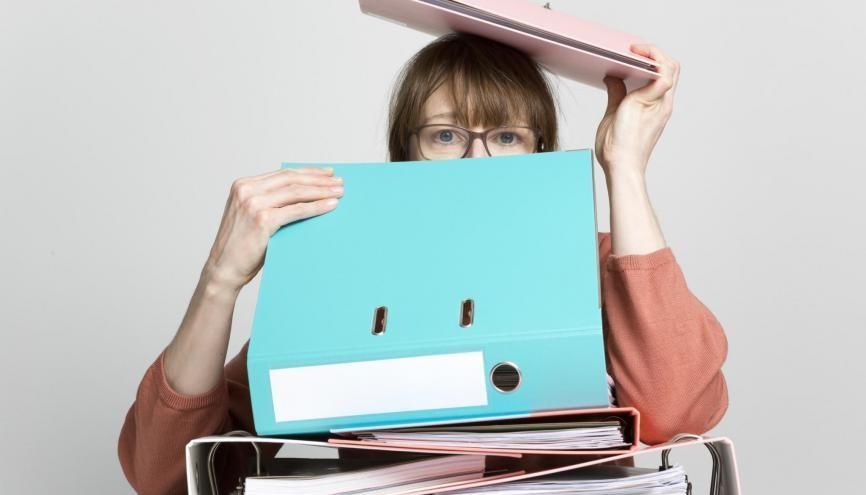 Pour ne pas perdre une occasion de vous faire recruter, ayez tous vos papiers à portée de main ! //©plainpicture/Lubitz + Dorner