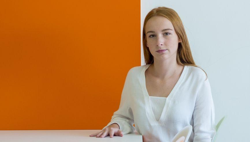 Jade, étudiante en deuxième année à l'IESEG, sait ce qu'elle veut: devenir trader en Bourse. //©Cyril Entzmann/Divergence pour l'Etudiant