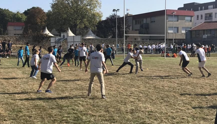 A l'ESTP, les étudiants ont également pu se défouler au rugby //©Clément Rocher