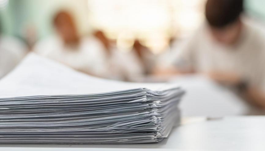À l'université, il sera possible de valider votre semestre en ayant un certain nombre de notes en dessous de la moyenne. //©Adobe Stock/Chinnapong