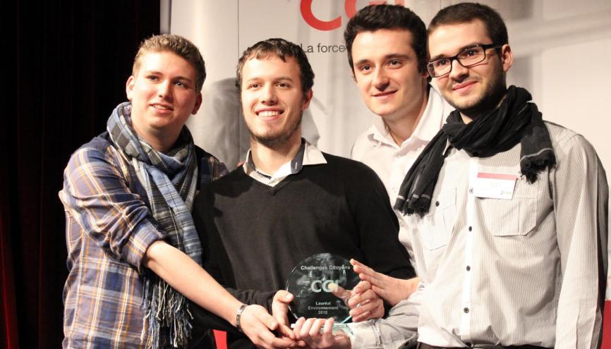 Mickaël, Thomas, William et Alexis ont remporté en mars 2015 le prix Challenges Citoyens de la CGI, dans la catégorie Environnement. //©Delphine Dauvergne