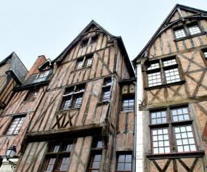Dans la région Centre-Val de Loire, comme à Tours, les étudiants peuvent accéder à toute une panoplie d'aides financières.