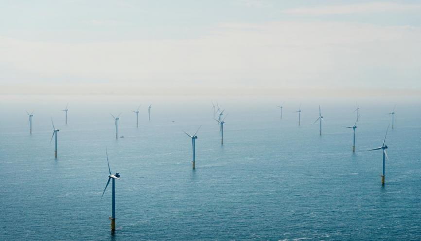 Le secteur de l'éolien a créé 2.600 emplois en France en 2018. Les projets de parcs éoliens en mer se multiplient comme à Fécamp, Saint-Brieuc ou Saint-Nazaire. //©plainpicture/Cultura/Mischa Keijser