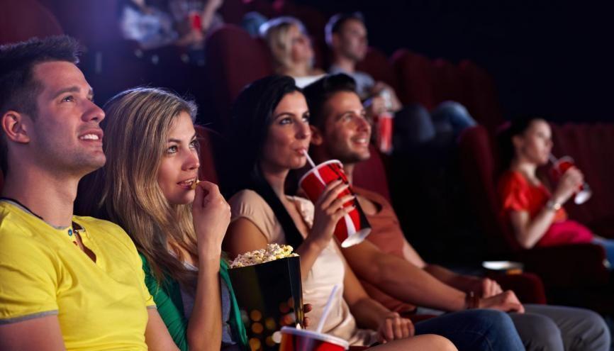 Aller au cinéma est une des activités culturelles favorites des 18-30 ans. //©Adobe Stock/ nyul