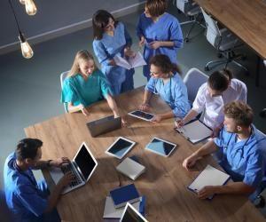 Depuis la fin de la PACES, les futurs étudiants ont deux possibilités pour intégrer des études de santé : le PASS ou la L.AS..