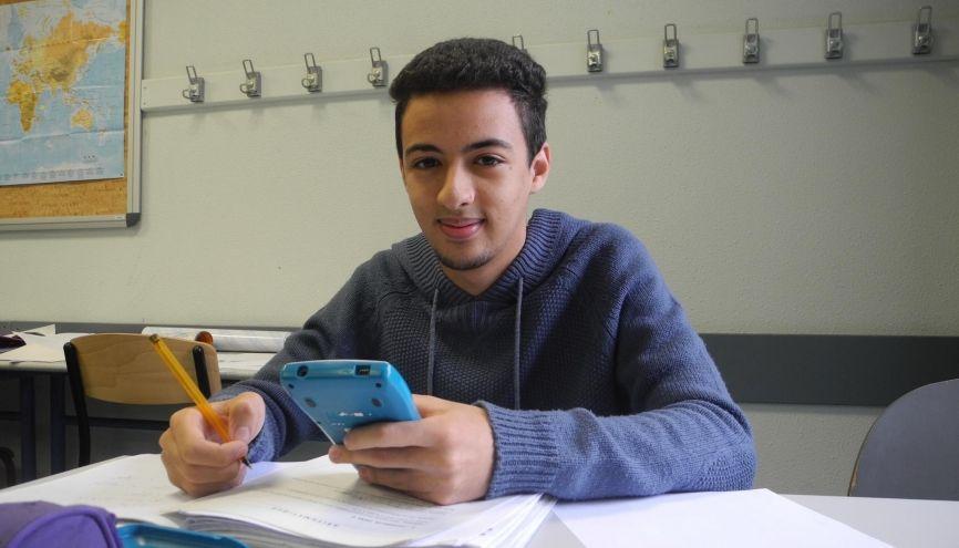 Après son bac préparé au lycée de la Nouvelle Chance à Angers, Brahim a passé le concours Geipi Polytech pour intégrer une école d'ingénieurs. //©Émilie Weynants