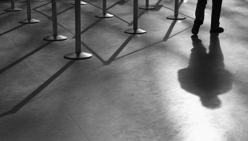 """La loi française, qui condamne certains types de discriminations, est l'une des rares à avoir inscrit """"l'apparence physique"""" comme critère valable. //©plainpicture/Blend Images/Chris Clor"""