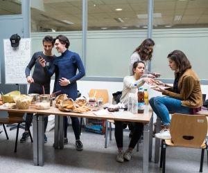 À Sciences po Bordeaux, les associations vendent à tour de rôle des plats maison pour financer leurs projets.