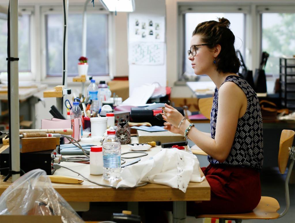 En atelier, les élèves de BTS travaillent en quasi-autonomie sur leur projet, à leur disposition, tous les outils nécessaires à leur réalisation. //©Mathieu Cugnot/Divergence pour l'Etudiant