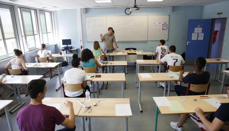En ayant accès aux sujets des E3C, les professeurs auront une idée plus précise de l'organisation des épreuves du nouveau bac. //©REA/ Nicolas Tavernier