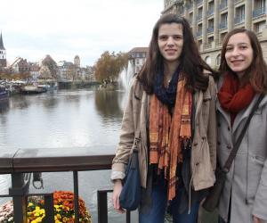 Céline et Laura, deux élèves ingénieures de Strasbourg, vont se lancer dans un raid La Rochelle-Ouarzazate en 4L pour la bonne cause.
