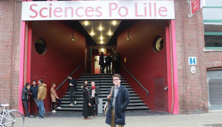 Robin est étudiant en 5e année à Sciences po Lille. //©Delphine Dauvergne
