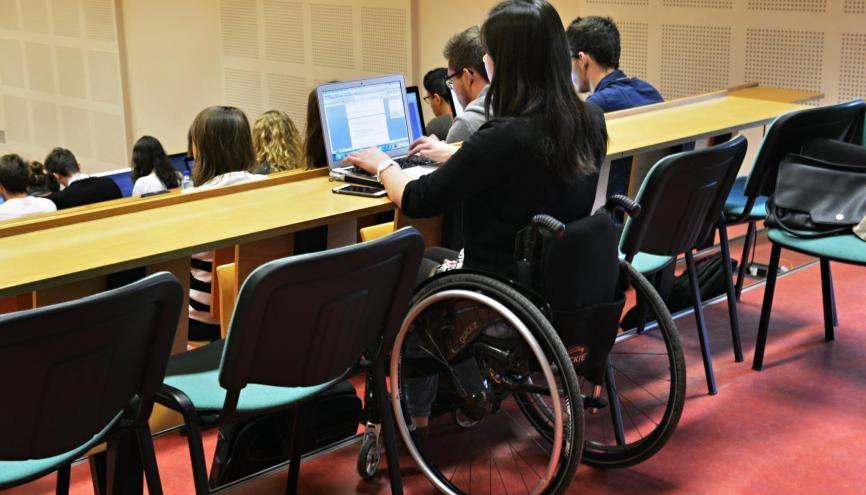 Le handicap ne doit pas vous empêcher de suivre des études supérieures. //©Marie-Pierre Dieterlé pour l'Etudiant
