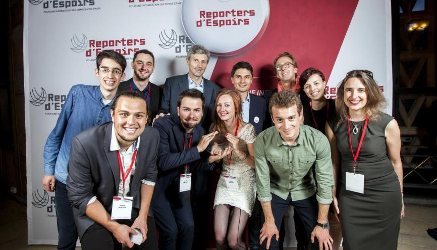 Les étudiants en journalisme de proximité de Vichy ont reçu le prix Jeunes Reporters d'Espoirs le 26 mai 2016 au palais d'Iéna, à Paris. //©Reporters d'Espoirs – Vincent Leloup 2016