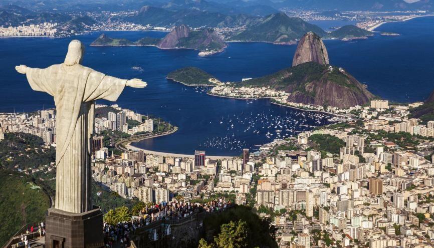 Voyager et travailler au Brésil grâce à un visa vacances travail est possible depuis 2018 pour les 18-30 ans //©PlainPicture