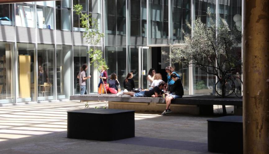 L'université Paul-Valéry - Montpellier 3 propose un cadre verdoyant à ses 20.000 étudiants. //©Camille Stromboni