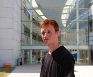 """Jean a rejoint une école d'ingénieurs postbac, l'INSA Rouen, pour """"rentrer plus vite dans le vif du sujet, dans le concret""""."""