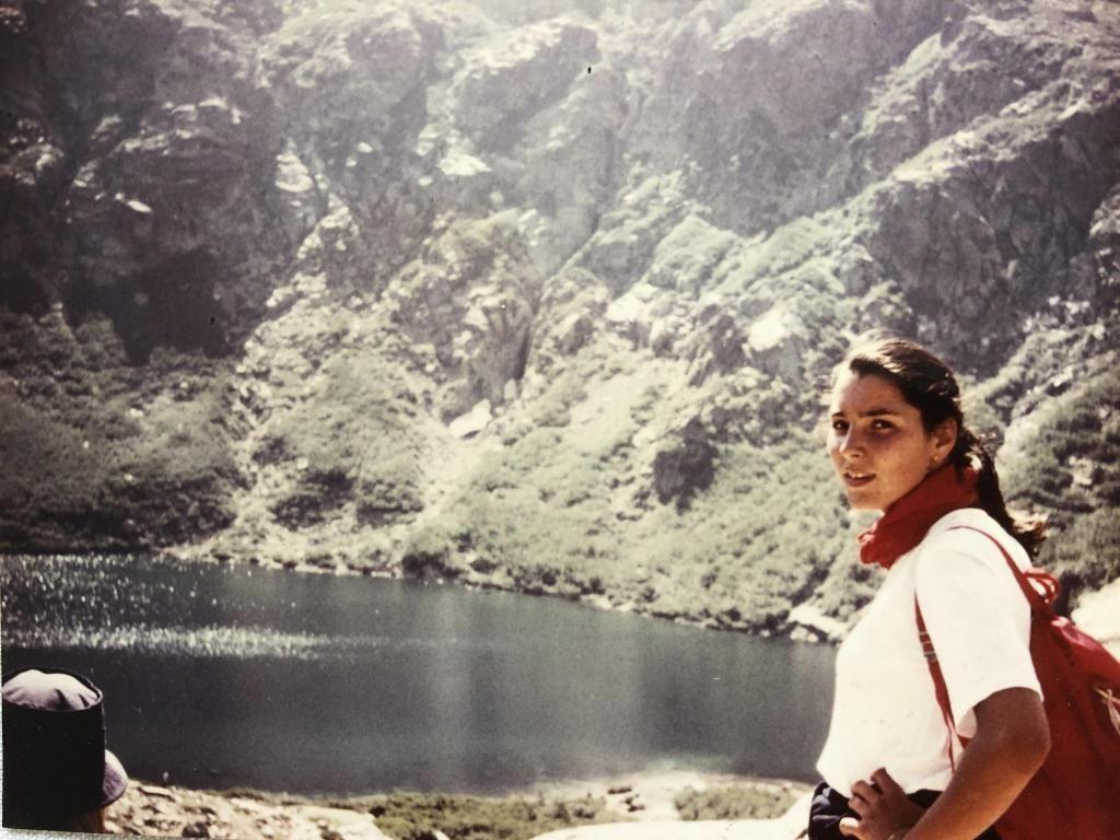 Ici, en Corse, à l'âge de 17 ans, la jeune fille sait déjà qu'elle veut exercer un métier tourné vers les autres. //©Photo fournie par le témoin