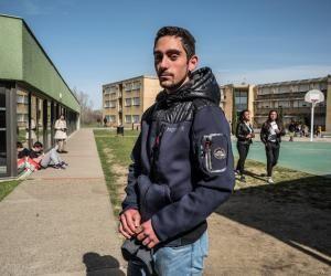 William, 18 ans, est en première professionnelle aménagement paysager au lycée Saint-François-La Cadène, à Labège (31).