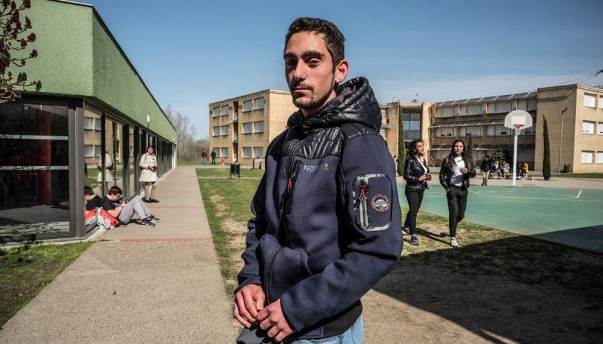 William, 18 ans, est en première professionnelle aménagement paysager au lycée Saint-François-La Cadène, à Labège (31). //©Frédéric Scheiber/Hans Lucas