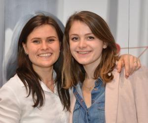 Aline Comble (à gauche) et Solène Comont sont devenues auto-entrepreneuses pour consacrer l'essentiel de leur temps à leur projet.