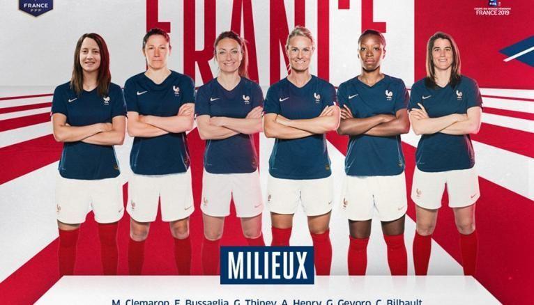 Les milieux de l'équipe de France féminine de football et Amandine Henry, la capitaine