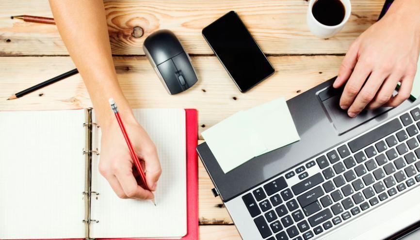 Qu'elle soit manuscrite ou rédigée par ordinateur, la lettre de motivation doit être bien réfléchie. C'est un document bref qui ne laisse pas de place à l'erreur. //©l'Etudiant