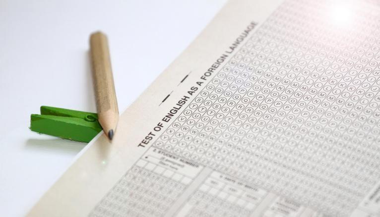 Les certifications en langues évaluent la compréhension écrite, l'expression écrite, la compréhension orale et l'expression orale.