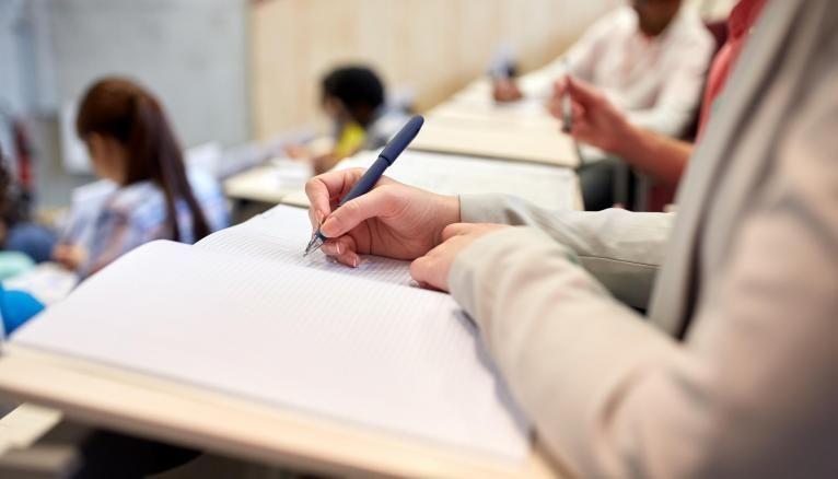Il y a environ 50.000 candidats qui postulent aux grandes écoles de management et d'ingénieurs.
