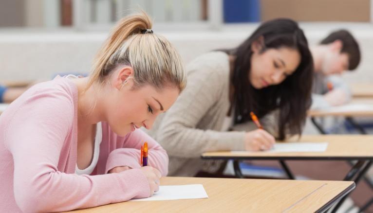 Les épreuves de spécialités dureront 3h30 ou 4 heures et sont communes à tous les lycéens de terminale.