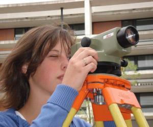 Une élève de licence pro génie civile à l'IUT de Cergy-Pontoise.