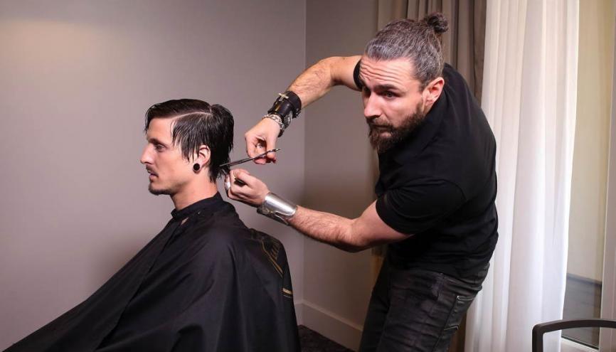 Rapha l 34 ans comment je suis devenu le meilleur for Le salon du coiffeur