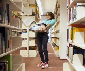 Pour vous préparer, commencez tout simplement par relire vos cours et manuels.