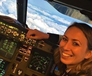 Copilote sur A320 chez Air France, Fanny, 32 ans, a démarré sa carrière comme instructeur avant de voler d'abord pour une compagnie low-cost.