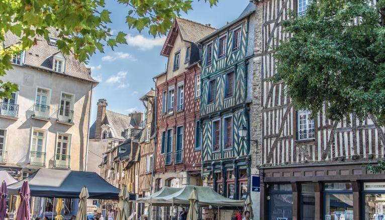 Rennes, capitale de la Bretagne, est une ville prisée des étudiants, en raison notamment de l'animation de son centre.