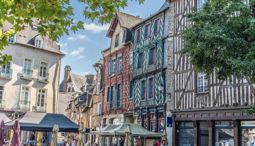 Rennes, capitale de la Bretagne, est une ville prisée des étudiants, en raison notamment de l'animation de son centre. //©Laurent (Pictarena)/Adobe Stock