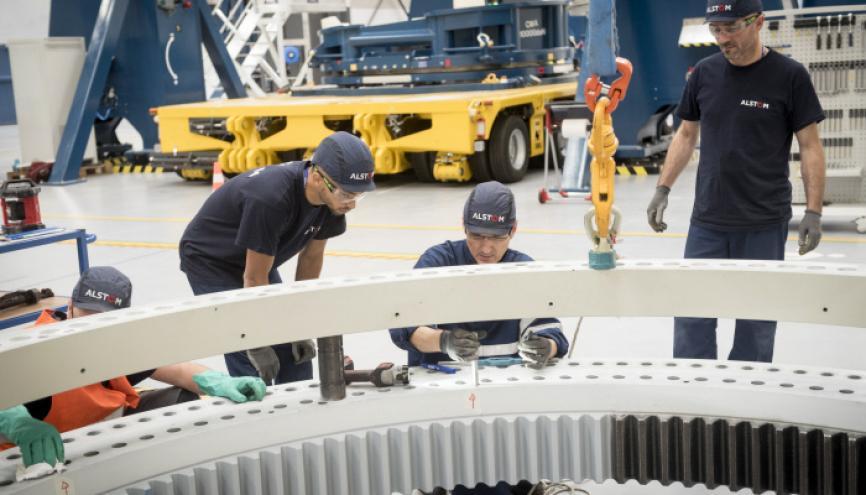 Atelier de montage à l'usine Alstom de Saint-Nazaire (44), dédiée à la production d'éoliennes offshore. //©Jean Claude MOSCHETTI/REA