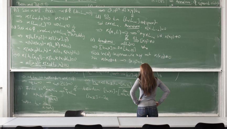Des maths, des maths, des maths : la recette si vous visez une prépa scientifique après le bac. //©plainpicture/André Schuster