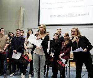La cérémonie de remise des diplômes est un symbole fort dans le parcours des étudiants de l'IAE. En février 2016, ils étaient une soixantaine à terminer leur cursus.
