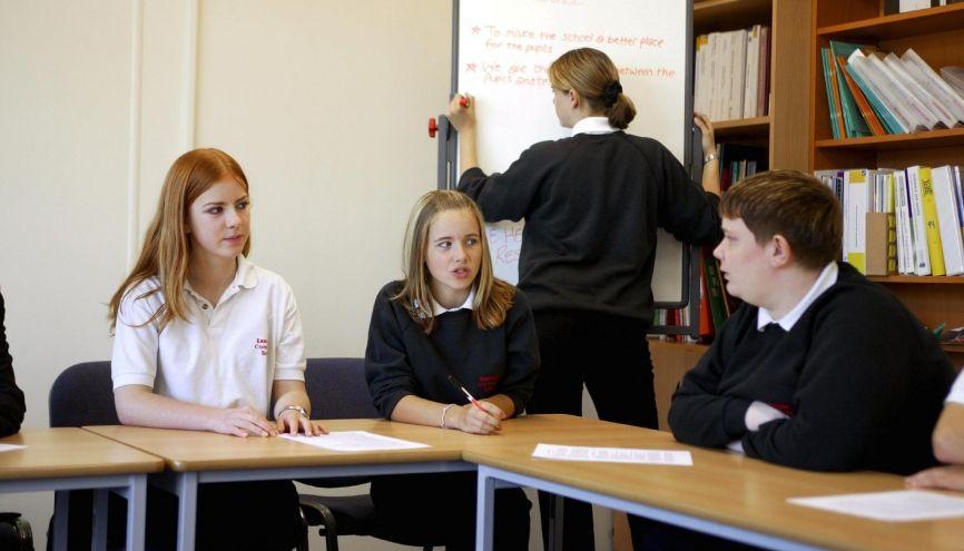 En conseil de classe, le délégué se fait le porte-parole des élèves. //©Roy Peters/REPORT DIGITAL-REA